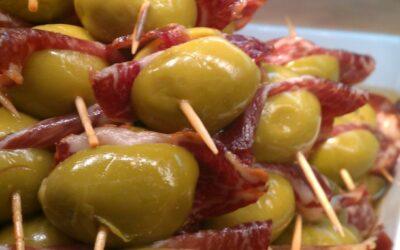 一些橄榄火腿开胃菜… buenisimas!!!