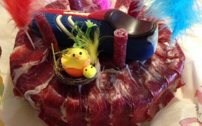 De cake van Pasen met de beste Iberische ham en nog veel meer