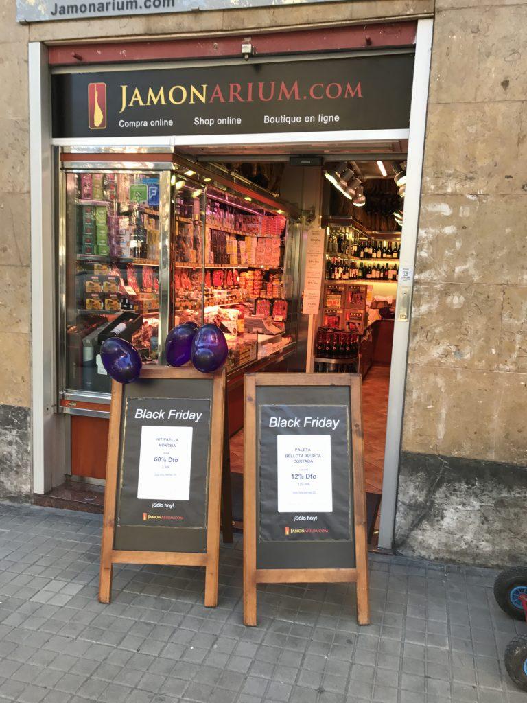 blacl П'ятниці в магазині хамон Барселоні