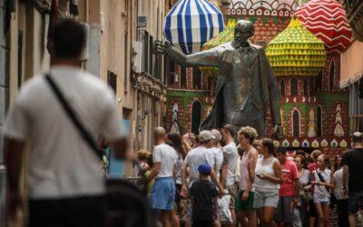 ¡在巴塞罗那的El巴里奥de Gracia大道, 这是庆祝!